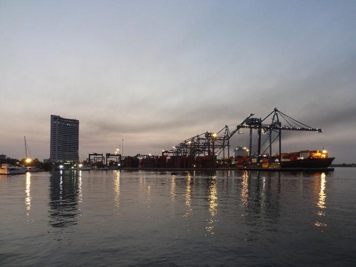 Frühe Ankunft im Hafen von Cartagena