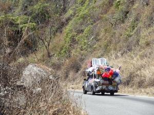 Der Plastik-Wagen auf dem Weg nach oben