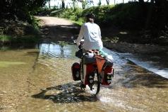 Eine Flussdurchquerung per Rad