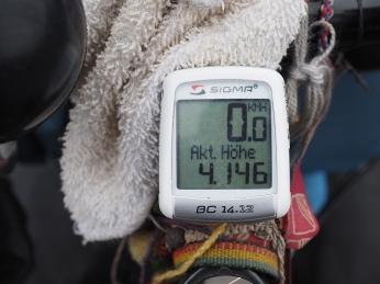 Gute 4'000 m.ü.M., obwohl mein Kilometerzähler sehr optimistisch ist