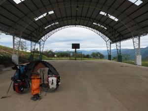 Fussball Camp mit Blick auf die peruanischen Berge