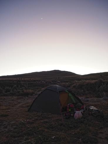 Kaltes Camp bei fast neuem Mond