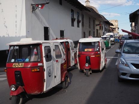 Mototaxiverkehr in Cajamarca, da wird man gut durchgeschüttelt