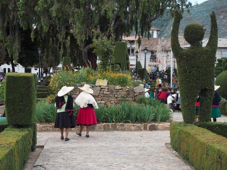Auf der Plaza von Huamachuco
