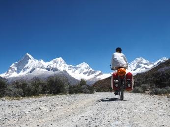 Aufstieg mit Andenpanorama: Huandoy, Pisco, Chacraraju und Yanapaccha