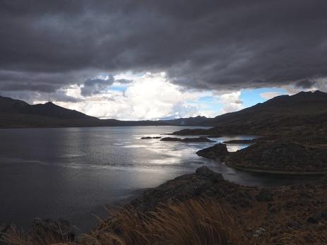 Bei der Laguna von Marcapomacocha herrscht Weltuntergangsstimmung