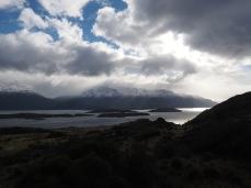 Der Lago General Carrera und die verschneiten Berge