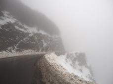 Aufstieg bei Nebel