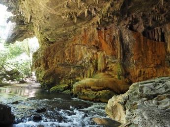 Durch die Tunnelartigen Höhlenteile