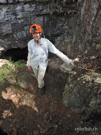 Steil geht's runter zum Eingang in die Höhle São Bernardo