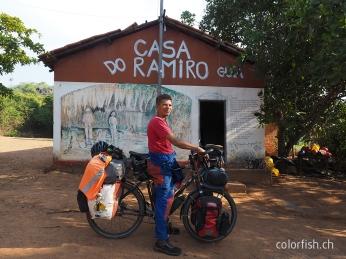 Angekommen beid er Casa do Ramiro. Inklusive Ramiro.