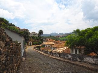 Die Pflasterstein von Ouro Preto sind ganz human
