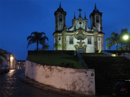 Die Igreja Nossa Senhora do Carmo bei Nacht