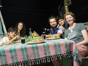 Weichnachtsessen in der C.A.C. BikeBergue mit Debora, Rodrigo, João und Sasa