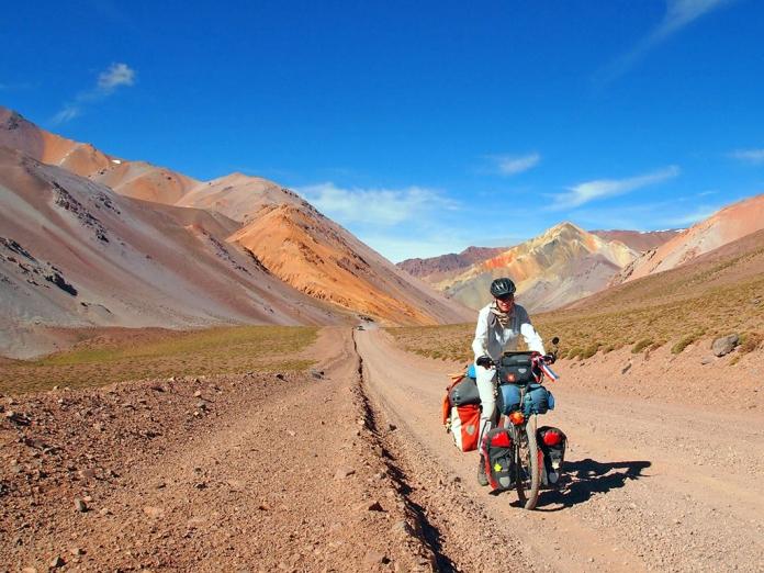 Die Bergkulisse farbig und wunderschön